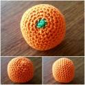 Orange, gehäkelt